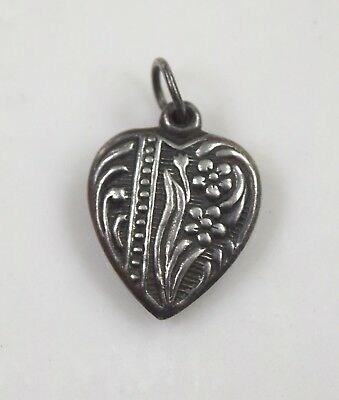 Antique Vintage Sterling Silver Heart Bracelet Charm 1.2  g
