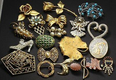 Vintage 19 Piece Large Crystal Rhinestone Enamel Figural Flower Brooch Pin Lot