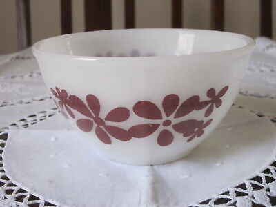 Vintage Agee Pyrex Small Brown Daisy Chain Mixing Bowl 1972