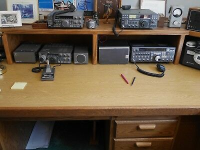 Kenwood TS 440 S Radio Transceiver with mic, manual and power cord.