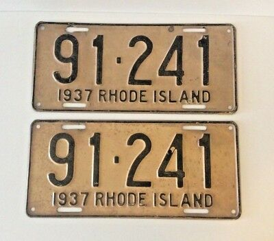 A Pair (2) Of Vintage Rhode Island License Plates - 1937