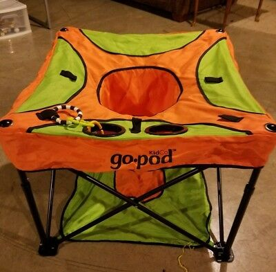 KidCo - GoPod, Portable Baby Activity Station (Tangerine/Lime Green)