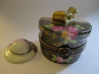 Signed LIMOGES France Peint Main HAT BOX WITH HAT Hinged Trinket Box