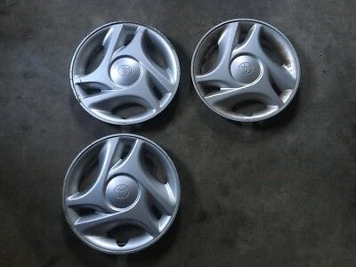 Hubcaps Set Of 3 Toyota Tundra 2005 Wheelcovers