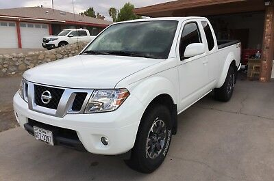 2015 Nissan Frontier PRO-4X 2015 NISSAN FRONTIER PRO-4X KING CAB, ONE OWNER, SPECIAL ORDERED, 6-SPEED MANUAL