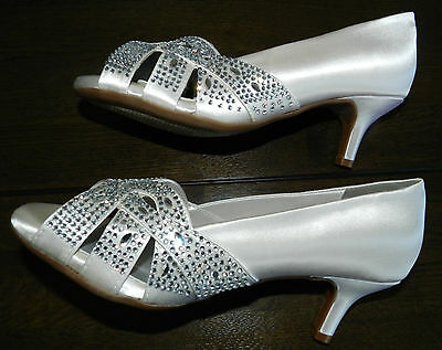 US 6.5D Bridal Champagne Tracy White Satin shoes rrp US$110