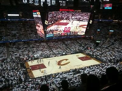 2 Cleveland Cavs Cavaliers Milwaukee Bucks Side Court Tickets Kevin Love 12/14