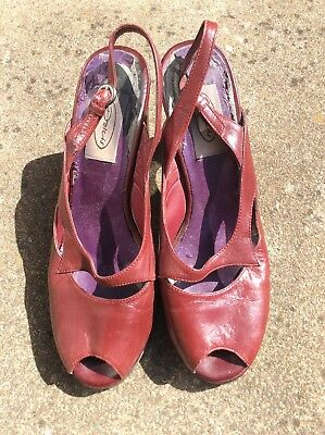 1940s Style Burgundy High Heel Shoes. Size 6