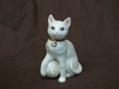 Lenox Porcelain Jeweled Cat With Ball Of Yarn