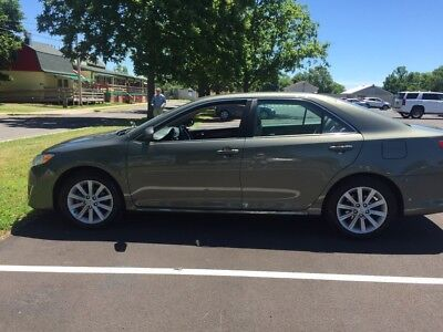 2014 Toyota Camry XLE 2014 Toyota Camry excellent condition 21 500  miles