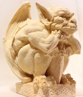 OLD STYLE MEDIEVAL GARGOYLE Protector Of Churches stone statue ancient replica