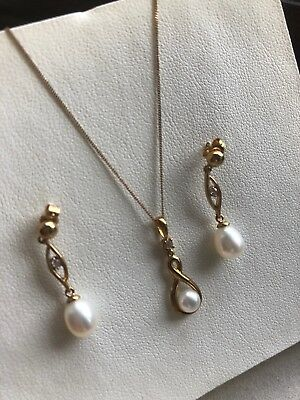 9ct Gold Pearl And Cz Necklace And Earrings Set