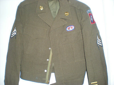 ORIGINAL WW2 82nd AIRBORNE DIVISION HQ JACKET = JUMP WINGS,OVAL & INSIGNIAS ID'd