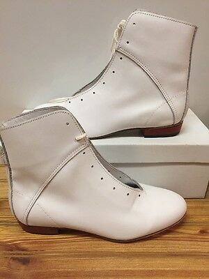 High Country, Size 6.5 W WOMENS Clogging Dance boots, Shoes, (no Taps) WHITE