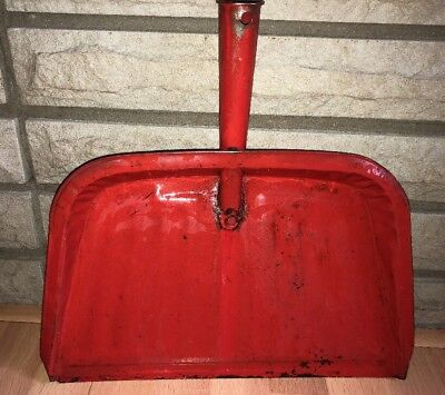 Vintage Retro Red Metal Tin Dust Pan