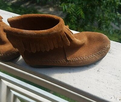 Minnetonka Girls Sz 8 Leather Ankle Boots. Fringe. Slip On Zipper. Guc.