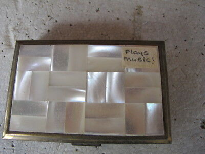 Vintage mother of pearl compact and music box clover Face powder compact