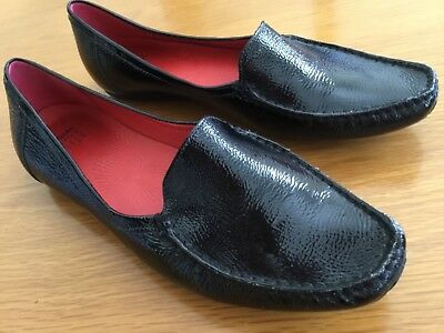 CLARK'S BLACK PATENT LEATHER FLATS sz. 41. AS-NEW.