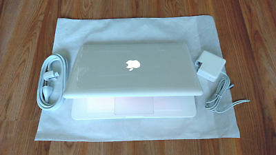 "Apple MacBook White 13"" 500GB HDD 2.26 GHz / 4GB RAM/ LATEST OS 2017 + Extras"