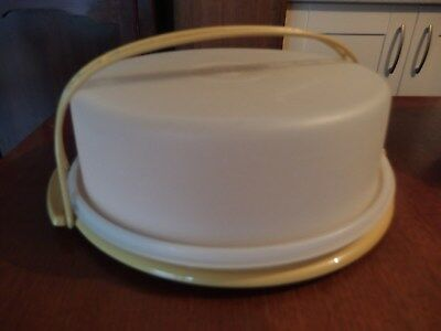 VINTAGE TUPPERWARE HARVEST GOLD, CAKE/ PIE,  CARRIER,CONTAINER~with handle