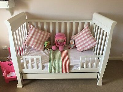 Used 3 In 1 Cot Infant/toddler Or Sofa Bed Rrp $499