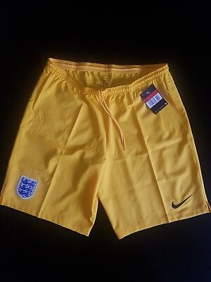 Nike England Mens Football Shorts Size L Yellow