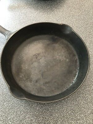 GRISWOLD 8  BLOCK LOGO 704 CAST IRON SKILLET Erie PA USA