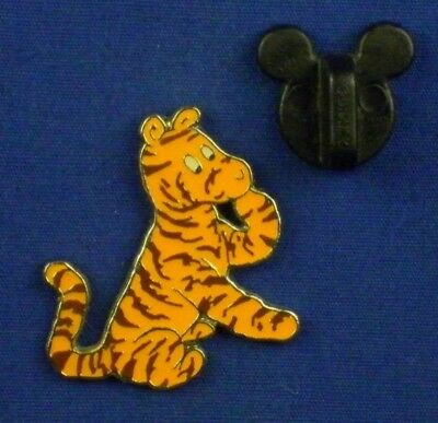 Classic Tigger Paw Lifted from Classic Pooh Collectors Tin DS Pin # 41931