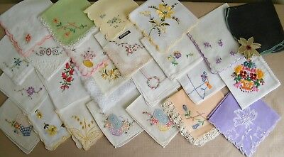 Lot of 25 Vintage Embroidered & Applique Small Hankies Handkerchiefs~ Floral