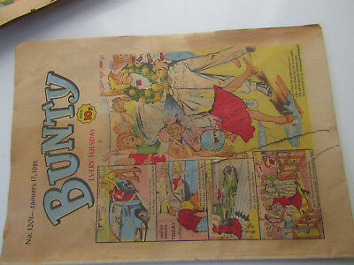 Vintage BUNTY Girls Comic No 1201 from Jan 17th 1981 / cut-out wardrobe on back