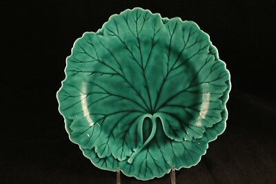 "Wedgwood Etruria Barlaston Majolica Pottery China Green Cabbage Leaf 8"" Plate"