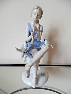 Grafenthal Germany Porcelain 9 1/2 Inch Tall Figurine 9500 Excellent