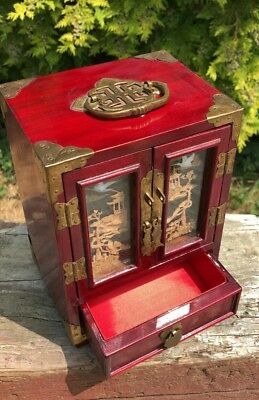 Vintage ORIENTAL Chinese RED LACQUER JEWELLERY BOX WITH CORK PICTURE *