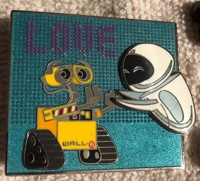 Disney Trading Pin - Wall-E And Eve  Love