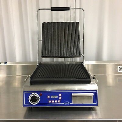 """Ding & Dent Globe GPG14D Single 14"""" Electric Sandwich Grill Grooved Plates"""