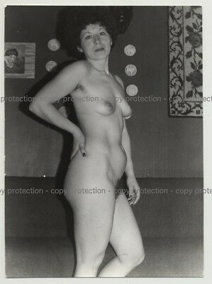 Mature Nude Female Looking At Camera / Hairy Armpits (Vintage Photo DDR 70s/80s)