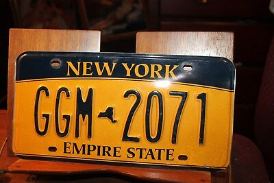 2010 New York Empire State License Plate GGM 2071