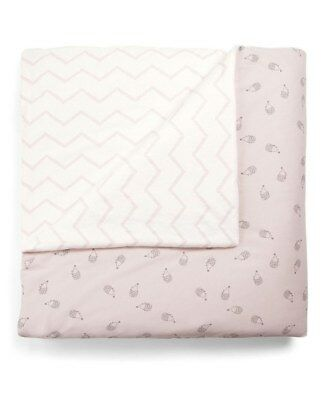 Mamas and Papas Girls Pink Hedgehog Chevron Reversible Cot / Cot bed Quilt