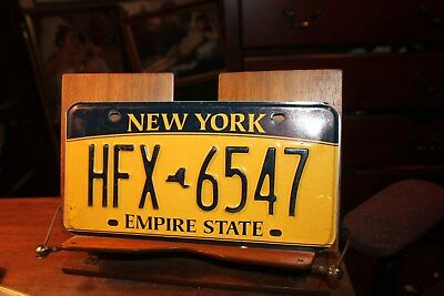 2010 New York Empire State License Plate HFX 6547