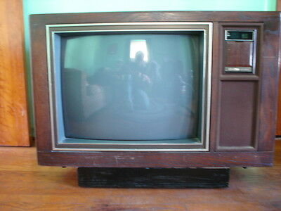 vintage color tv zenith 9 inch 9 portable ac dc tested model d0930s rh picclick com Zenith Sy1963 Zenith Space Command System 3