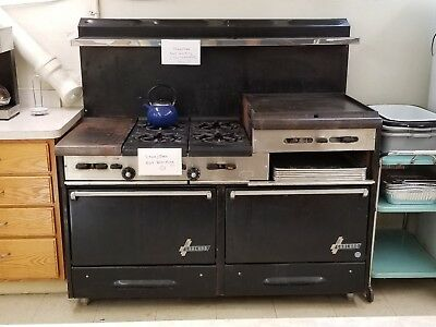 Garland Commercial Gas Stove (4-burner with double oven, broiler, & griddle)