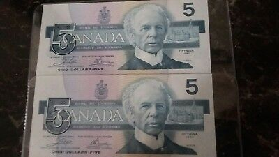 Canada $5 1986 Two (2) consecutive serial number notes EF-UNC