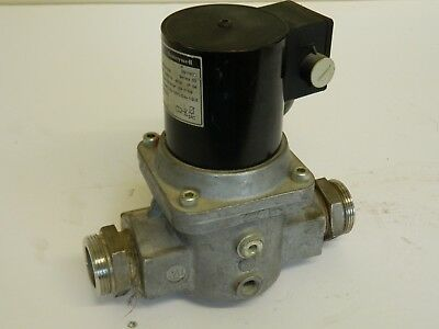 "Honeywell VE4032A1000 240vac 1""1/4  Solenoid gas valve"