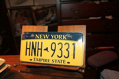 2010 New York Empire State License Plate HNH 9331