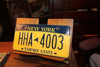 2010 New York Empire State License Plate HHA 4003