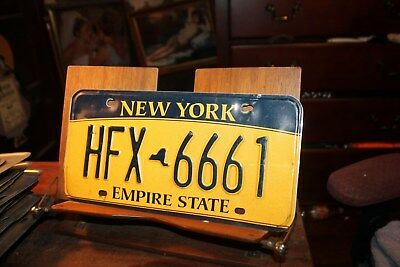 2010 New York Empire State License Plate HFX 6661 (B)