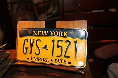 2010 New York Empire State License Plate GYS 1521 (B)