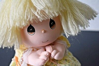 Vintage 1990 Applause Precious Moments Musical Wind Up Doll Cindy Moon River