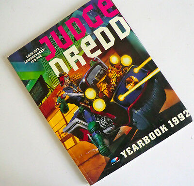Vintage Uk Annual - Judge Dredd Yearbook 1992 - Colour & Black & White Strips
