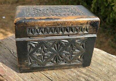 A Beautiful Vintage Wooden Hand Carved Playing Card Box Complete With Cards *